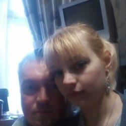 Семейная пара, ищем хорошенькую девушку с фантазиями в Ростове-на-дону для секса