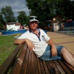 Парень из Ростов-на-дону. Ищу  подругу или просто девушку для секса.