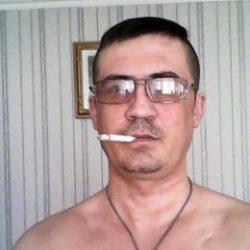 Парень из Ростов-на-дону. Ищу девушку, стройную для приятного интимного времяпрепровождения